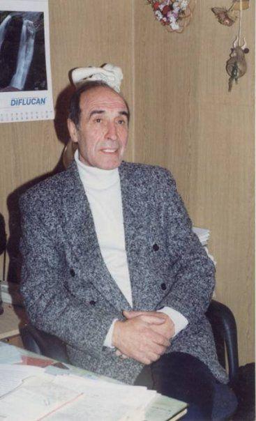 Заслуженный деятель науки и техники Украины, академик наук высшей школы Украины, доктор медицинских наук, профессор В.В. Кришталь (1937 – 2008) С 1974 по 1987 работал на кафедре психотерапии, где защитил кан-дидатскую и докторскую диссертации.